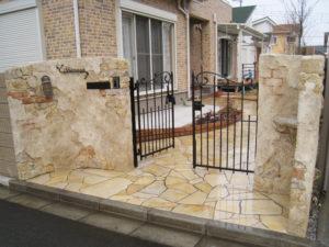 門袖をモルタル造形で施工すると、とても温かみのあるデザインになります