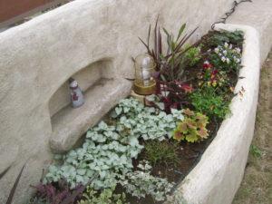 モルタル造形と草花は、本当に好きな雰囲気を作ってくれます