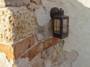 レトロな門袖灯… こういう雰囲気、何とも好きです