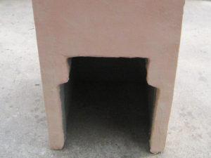 立水栓 背面下部に空洞がありますので この中で配管接続が出来ます